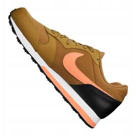 Buty Nike Md Runner 2 Gs Jr 807316-700 brązowe 2