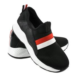 Czarne obuwie sportowe wsuwane NB256P-1 3