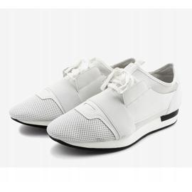 Białe obuwie sportowe męskie B18-101 2