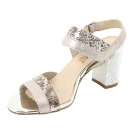 Sandały na słupku Gamis 3942 beżowy różowe srebrny 2