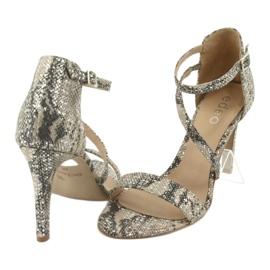 Sandały skórzane na szpilce Edeo 3344 wąż/beż beżowy szare 4
