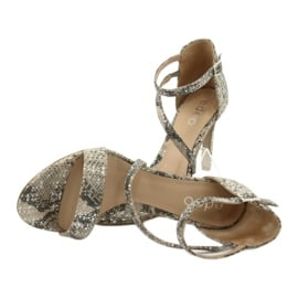 Sandały skórzane na szpilce Edeo 3344 wąż/beż beżowy szare 5