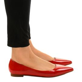 Czerwone balerinki lakierowane w szpic MM5018 2