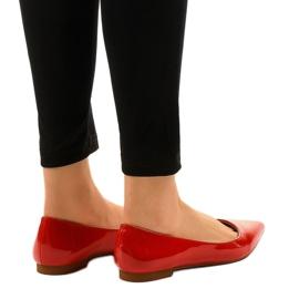 Czerwone balerinki lakierowane w szpic MM5018 3