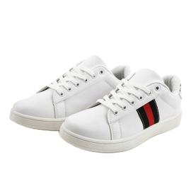 Białe klasyczne tenisówki D1903-319 czarne czerwone 2