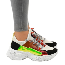 Białe sneakersy sportowe zdobione HL-03 czarne czerwone zielone 2