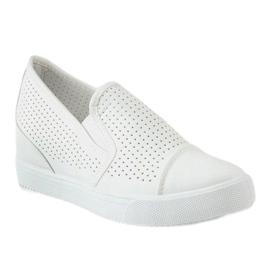 Białe ażurowe sneakersy na koturnie DD441-2 1