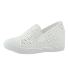 Białe ażurowe sneakersy na koturnie DD441-2 2