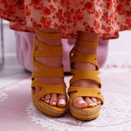 FE1 Sandały Damskie Na Koturnie Sznurek Żółte Liluena 2