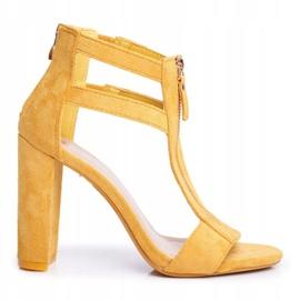 PS1 Sandały Damskie Na Słupku Zamszowe Żółte Folly 1