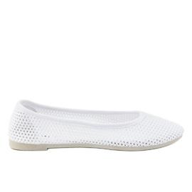 Białe balerinki z koronki JX56 2
