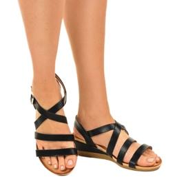 Czarne sandały na koturnie z eko-skóry S060064 1