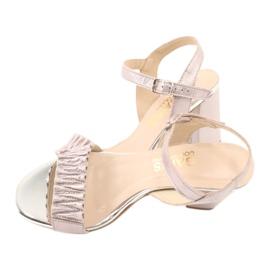 Skórzane sandały na słupku Gamis 3949 różowe szare 4