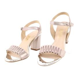 Skórzane sandały na słupku Gamis 3949 różowe szare 2