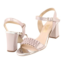 Skórzane sandały na słupku Gamis 3949 różowe szare 3