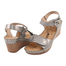 Sandały damskie koturn Evento 9SD98-0980 grey szare 3
