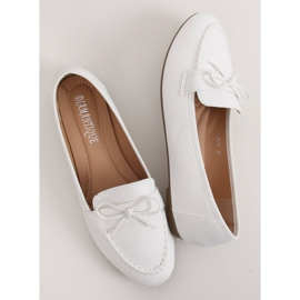 Mokasyny damskie białe 98-30 White 2