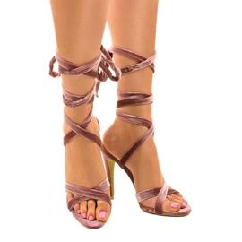 Różowe sandały na szpilce z zamszu 1261-21 1