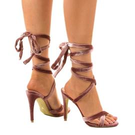 Różowe sandały na szpilce z zamszu 1261-21 4