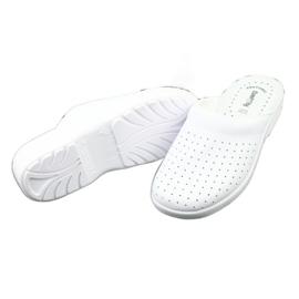 Klapki medyczne białe Comfooty Alessio 3