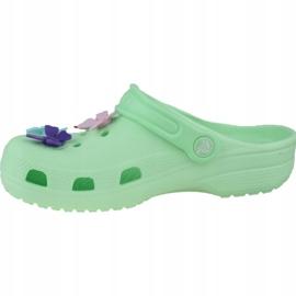 Klapki Crocs Classic Butterfly Charm Clog Jr 206179-3TI zielone 1