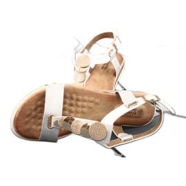 Srebne sandały damskie Evento 20SD14 2067 białe szare 6