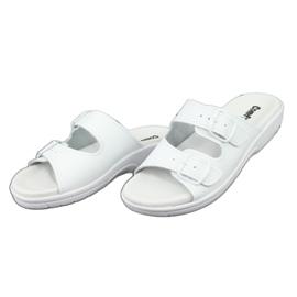 Klapki białe profilaktyczne Comfooty Carolina 2
