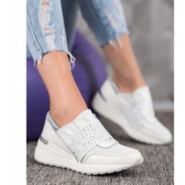 Wsuwane Sneakersy Z Kryształkami VINCEZA białe 1