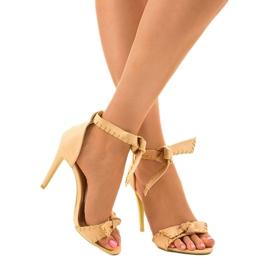 Beżowe sandały na szpilce wiązane 1226-14 beżowy 1