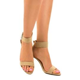 Beżowe sandały na szpilce z eko-zamszu 91761-3 beżowy 1