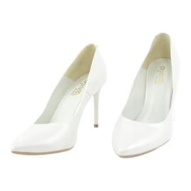 Czółenka na szpilce biała perła Espinto C-602/134 białe 2