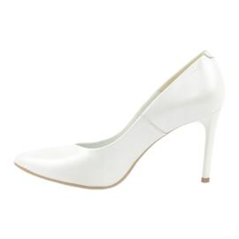Czółenka na szpilce biała perła Espinto C-602/134 białe 1