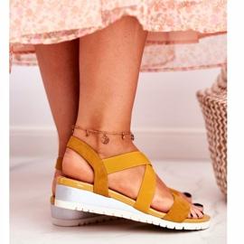 PS1 Sandałki Damskie Na Koturnie Żółte Wsuwane Harper 6