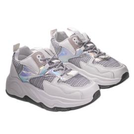 Białe sneakersy sportowe z szarymi wstawkami RAL-63 szare 2