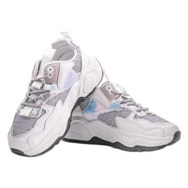 Białe sneakersy sportowe z szarymi wstawkami RAL-63 szare 3