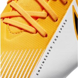 Buty piłkarskie Nike Superfly 7 Academy Mg Jr AT8120-801 wielokolorowe pomarańczowe 1