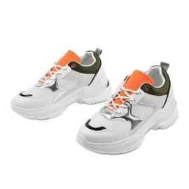 Białe modne obuwie sportowe Hymeda 3