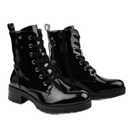 Czarne lakierowne botki glany Slider 3