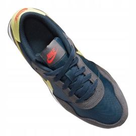 Buty Nike Md Valiant Jr CN8558-400 białe wielokolorowe 3