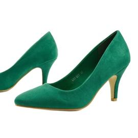 Zielone klasyczne szpilki zamszowe X8053 2