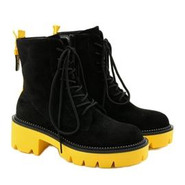 Czarne zamszowe botki sznurowane Centrifugal żółte 2