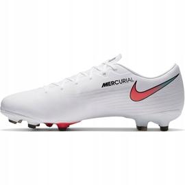 Buty piłkarskie Nike Mercurial Vapor 13 Academy FG/MG AT5269 163 białe białe 1