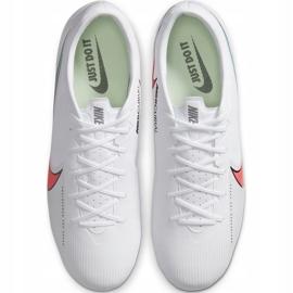 Buty piłkarskie Nike Mercurial Vapor 13 Academy FG/MG AT5269 163 białe białe 4