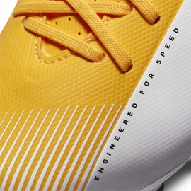 Buty piłkarskie Nike Mercurial Vapor 13 Academy FG/MG Junior AT8123 801 pomarańczowe żółte 6