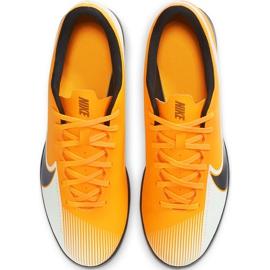 Buty piłkarskie Nike Mercurial Vapor 13 Club Tf AT7999 801 pomarańczowe pomarańczowe 1