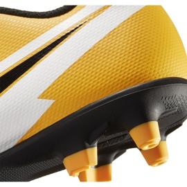 Buty piłkarskie Nike Mercurial Vapor 13 Club FG/MG Junior AT8161 801 pomarańczowe żółte 6