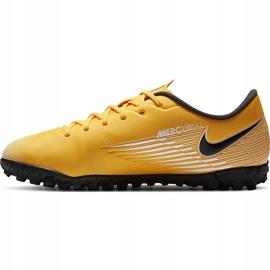 Buty piłkarskie Nike Mercurial Vapor 13 Academy Tf Junior AT8145 801 żółte pomarańczowe 2