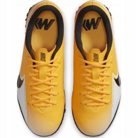 Buty piłkarskie Nike Mercurial Vapor 13 Academy Tf Junior AT8145 801 żółte pomarańczowe 1