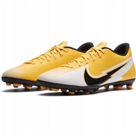 Buty piłkarskie Nike Mercurial Vapor 13 Club FG/MG AT7968 801 pomarańczowe żółte 3