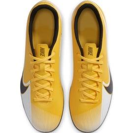 Buty piłkarskie Nike Mercurial Vapor 13 Club FG/MG AT7968 801 pomarańczowe żółte 1